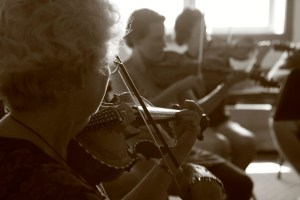 Fiddle workshop, passing on the heritage to folks of all ages