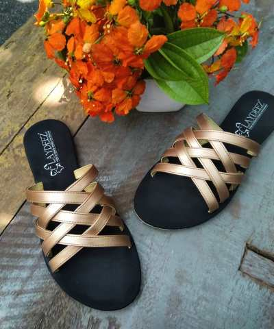 Laydeez Crisscross Slides In Rose Gold