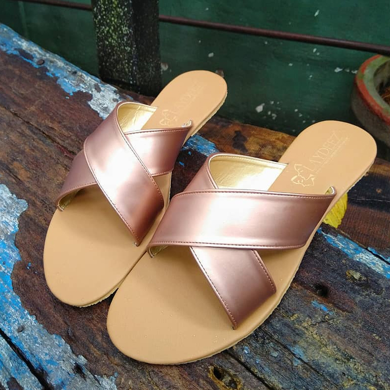 Laydeez Simple Crossover Slides in Rose Gold