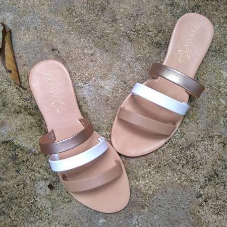 Teeny sandals in Nude