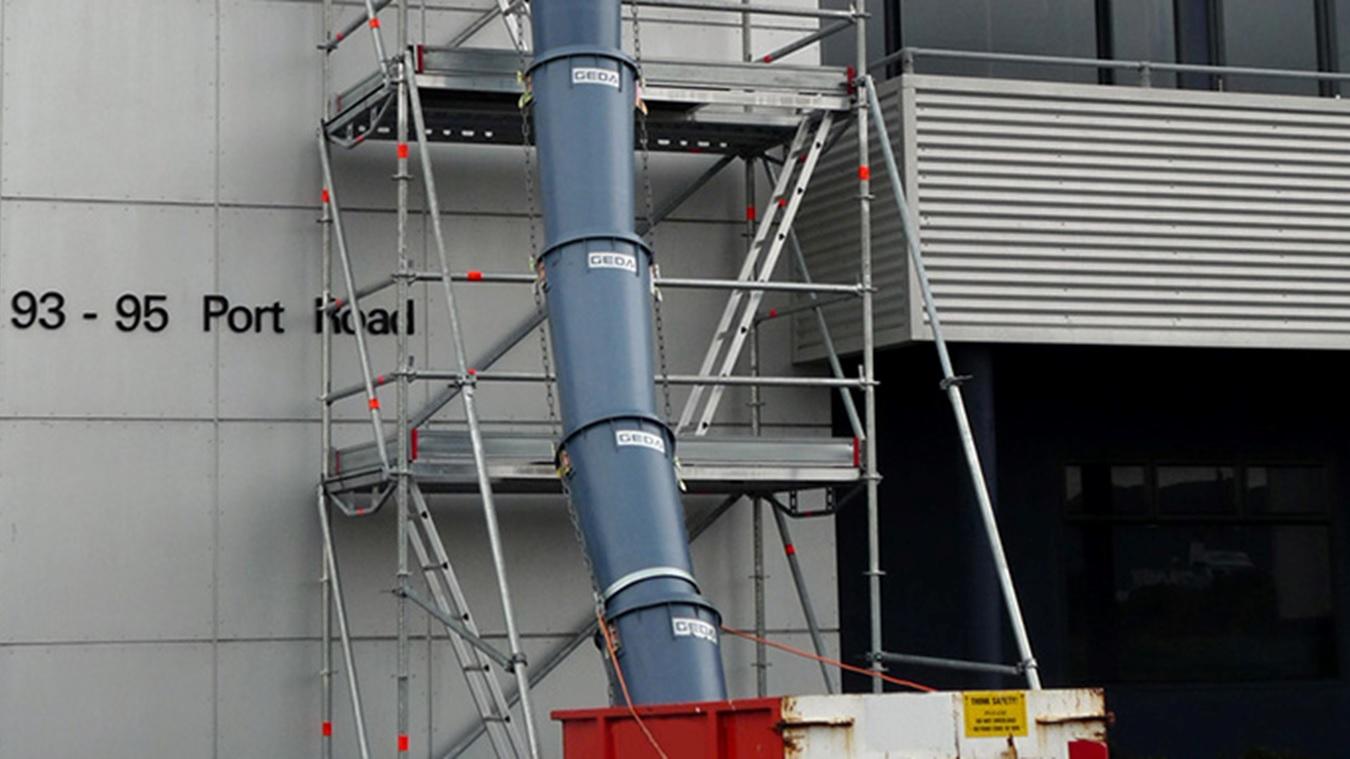 Construction rubbish chutes