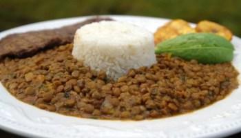 Arroz con huevo or rice with egg lazy lunch laylitas recipes lentil stew with rice arroz con menestra de lentejas forumfinder Choice Image