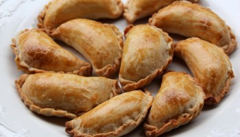 How to make sweet empanada dough laylitas recipes how to make empanada dough for baking forumfinder Image collections