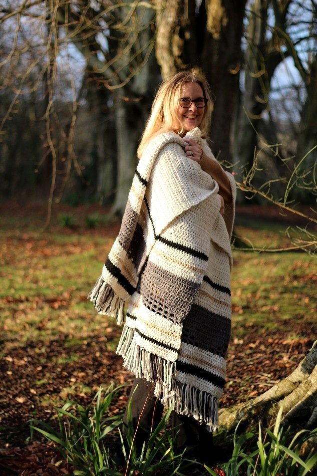 Westbound poncho pattern by two of wands a reveiw