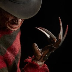One two, Freddy's coming for you and your action figures