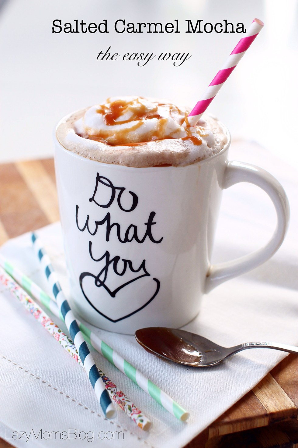 This home made Salted Carmel Mocha is so easy and so delicious !