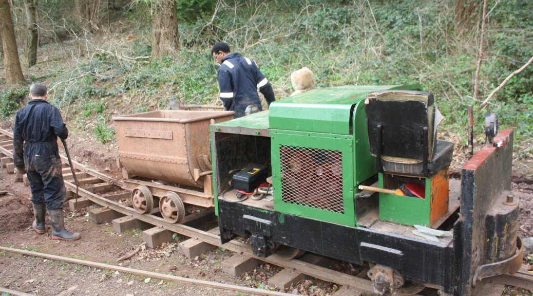 Simplex with tipper wagon