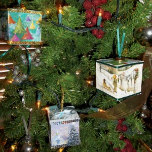 for instructions for making these cube ornaments from christmas cards - Christmas Card Ornaments