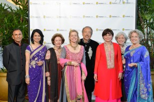 Dr. Suresh Khator, Dr Renu Khator, Honoree, Harriet Latimer, Gala Co-Chair, Lori and Darryl Schroeder Beth Madison, Gala Co- Chair, Beth Robertson, Lillie Robertson, Gala Co- Chair