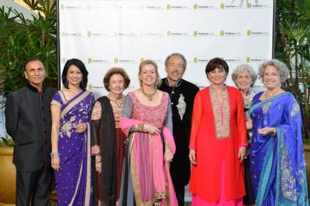 Dr. Suresh Khator, Dr Renu Khator, Honoree, Harriet Latimer, Gala Co-Chair, Lori and Darryl Schroeder Beth Madison, Gala Co- Chair, Beth Robertson, Lillie Robertson, Gala Co- Chair