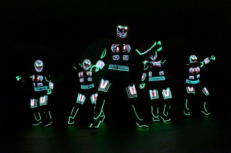 iLuminate performers