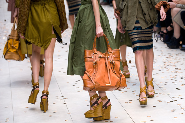 reputable site dd37d 34a46 Burberry Factory Outlet Store London | LDNfashion