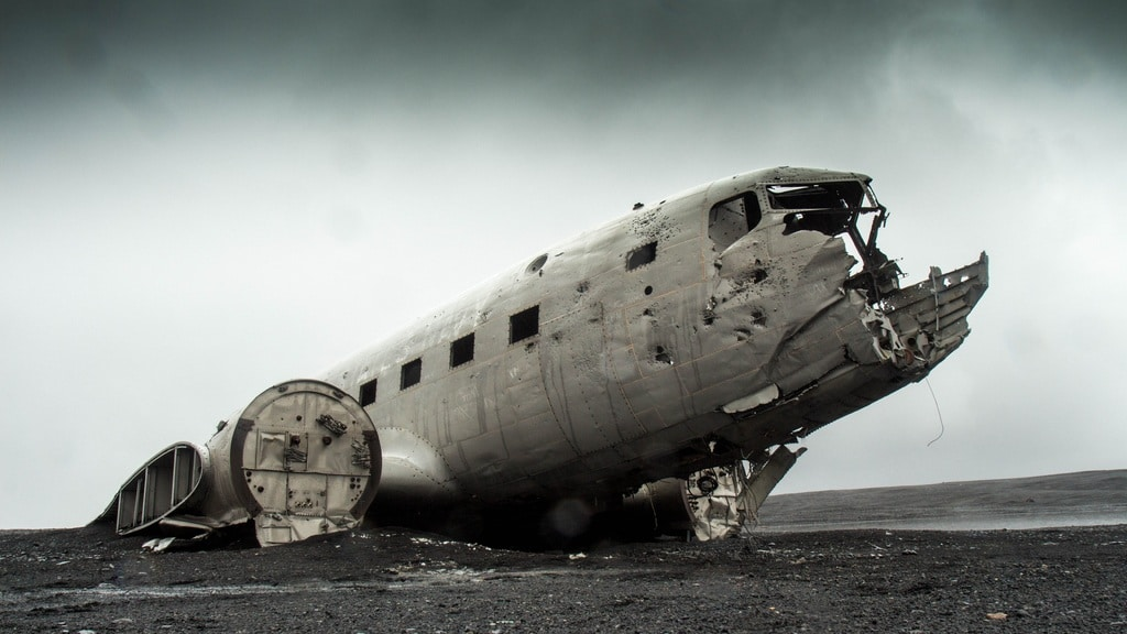 leadership development programs can crash and burn - photo of a crashed airplane