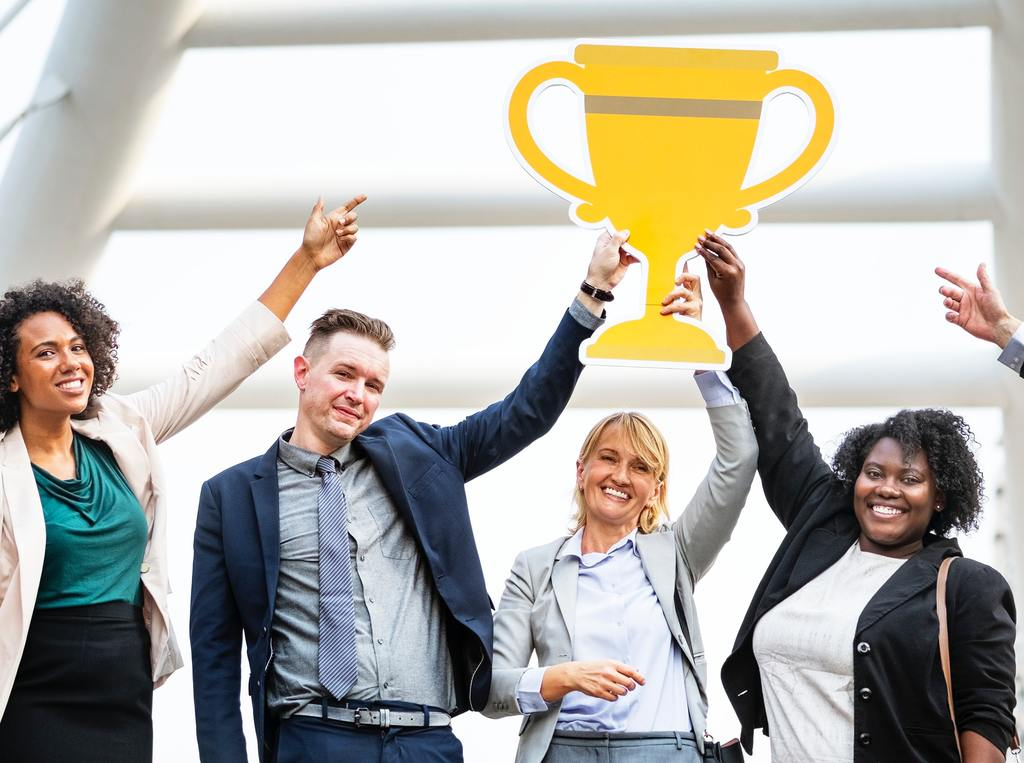 Employee Recognition: Non-Monetary Rewards to Promote Engagement
