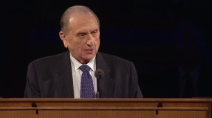 """President Monson offered a final blessing to Elder Scott the day he passed away. """"A feeling of love and peace permeated the home and touched my heart."""""""