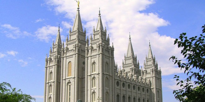 """The Huffington Post: """"Mormons' Consciences Have Put White Evangelicals To Shame"""""""