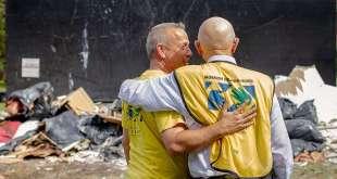 President Oaks, Other Leaders Visit Hurricane Survivors
