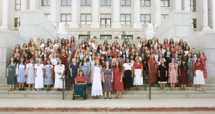 """Temple Square Sister Missionaries Sing """"Amazing Grace"""""""