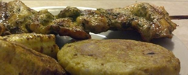 Brochetas de Pollo y Tortilla de Verde