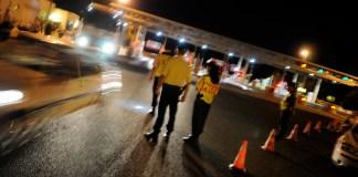 La police nationale lors d'un contrôle aux péages de l'autoroute A9 © Alexandre Minguez
