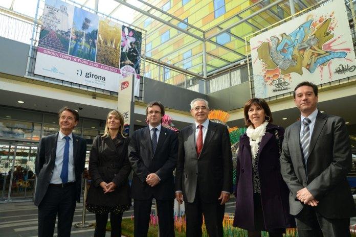 Du 20 avril au 31 mai 2013, «el Centre Del Mόn» vibre à l'unisson d'un des plus grands événements culturels et ludiques de la ville de Girona «GIRONA TEMPS DE FLORS 2013» ! Pour l'occasion, le plus catalan des centre commerciaux de la ville de Perpignan «el Centre Del Mόn», accueille, en partenariat étroit avec la ville de Gérone, du samedi 20 avril jusqu'au 31 mai 2013, des installations contemporaines sur le thème de la fleur.