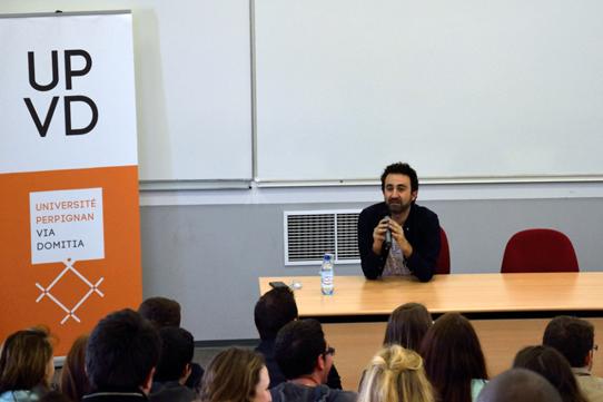 Mathieu Madénian à la rencontre des étudiants de l'UPVD