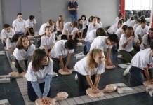 le-lycee-de-canet-forme-ses-jeunes-au-massage-cardiaque