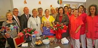 mathilde-marc-fete-ses-100-ans-en-famille-a-la-residence-des-lauriers-roses-du-soler