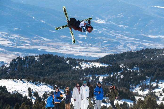 coupe-du-monde-de-ski-slopestyle-de-font-romeu-victoire-de-la-francaise-tess-ledeux-antoine-adelisse-se-classe-cinquieme
