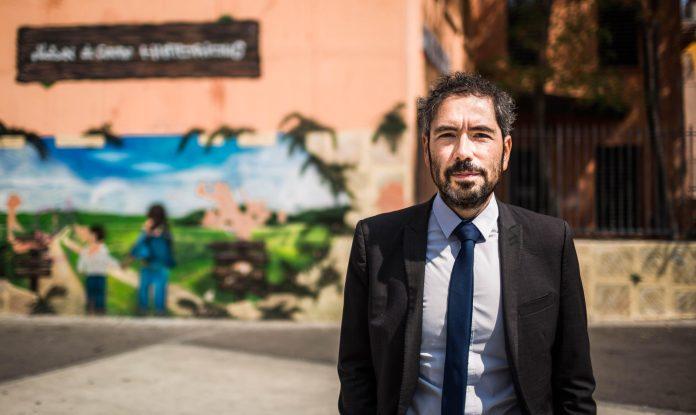 Portrait d'Olivier Amiel, élu à la mairie de Perpignan et à l'Agglomération de Perpignan.Quartier Saint Jacques, Perpignan.