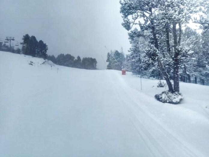 la-neige-est-arrivee-en-quantite-sur-formigueres