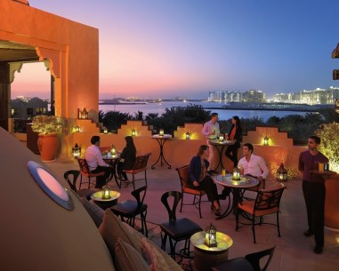 one-and-only-royal-mirage-bars-and-lounges-the-rooftop-terrace-and-sports-lounge-01