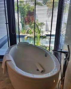 La superbe salle de bain de la villa