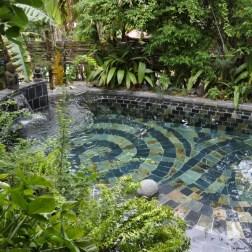 La jolie piscine du spa