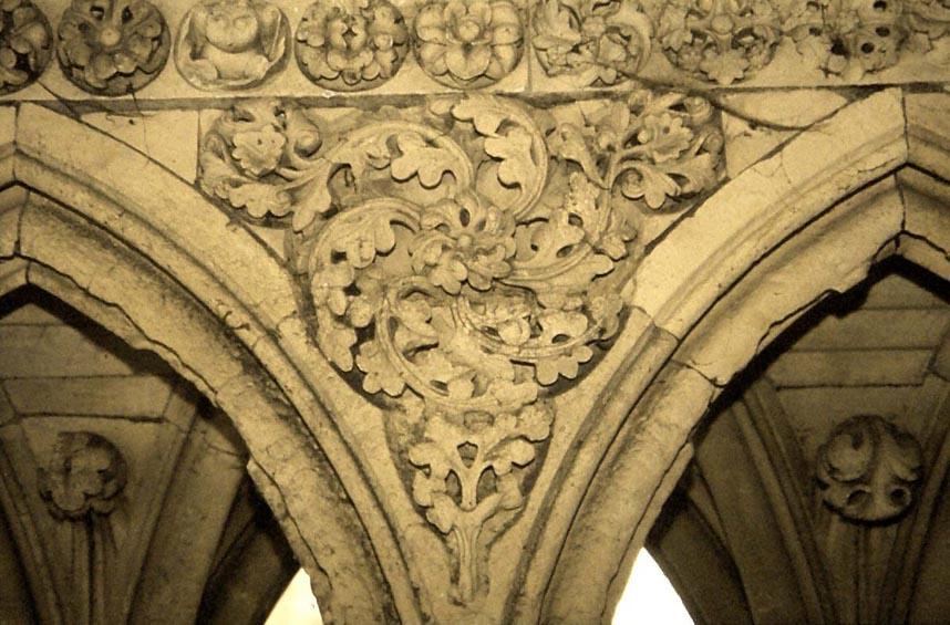 Art Gothique Normand Dcor Floral Sur Un Coinon