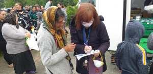 115DP-et partenaires-DIstribution urgence alimentaire camp Rom Vitry_2020 05 03-10