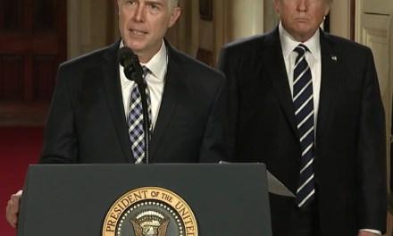 Neil Gorsuch nommé à la Cour suprême par Donald Trump
