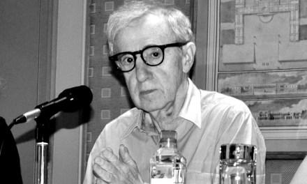 Agressions sexuelles : Woody Allen dénoncé par sa fille adoptive