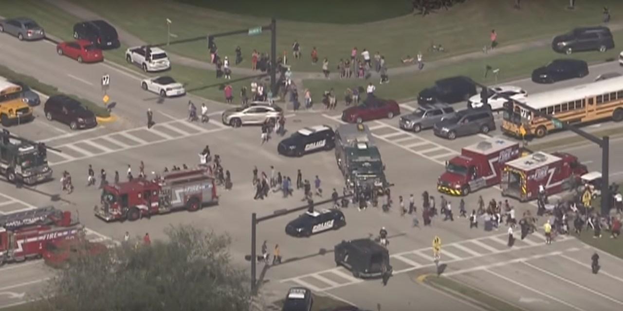 17 morts dans une fusillade au sein d'un établissement scolaire en Floride