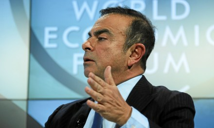 Carlos Ghosn quitte le groupe Renault