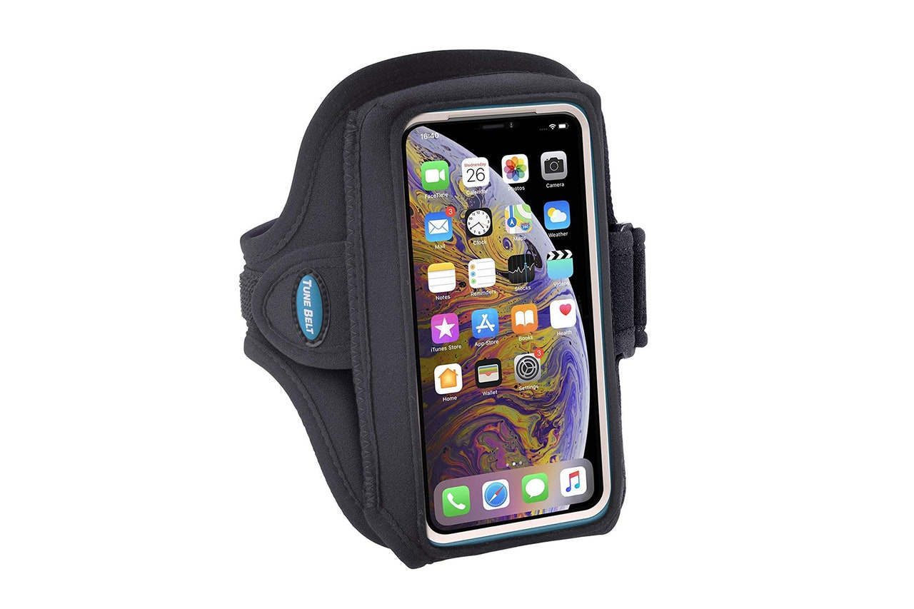 How to clean silicone armband phone case? 4 Simple Methods