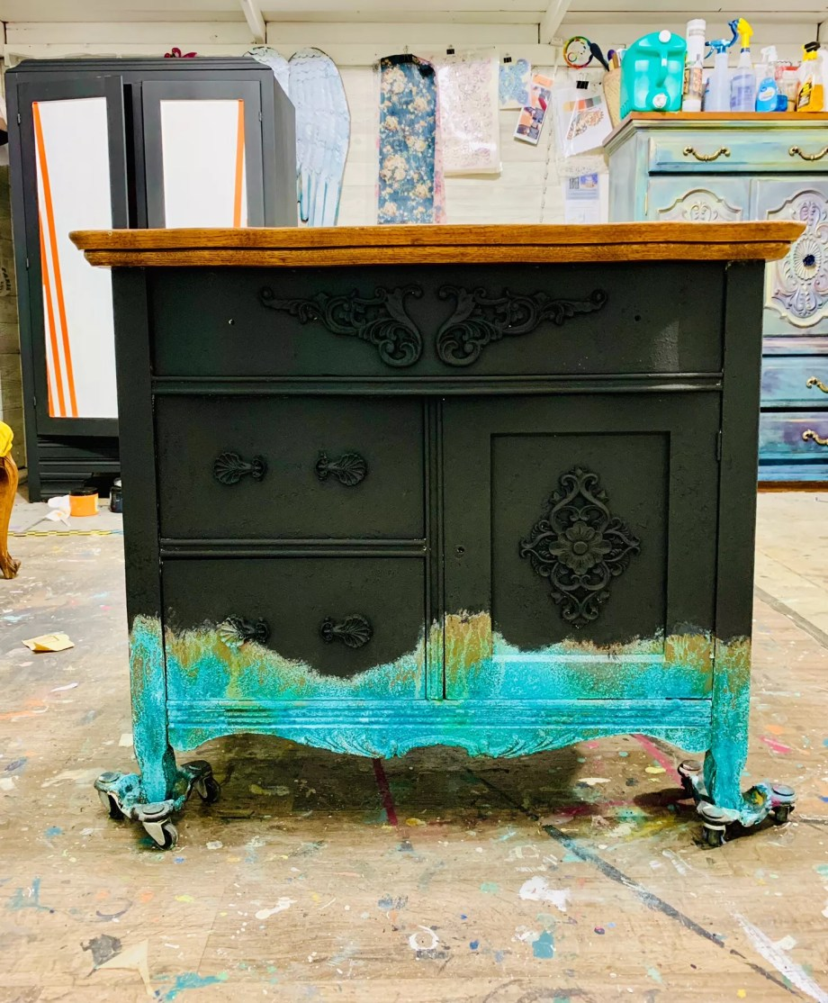 How to dry brush paint furniture