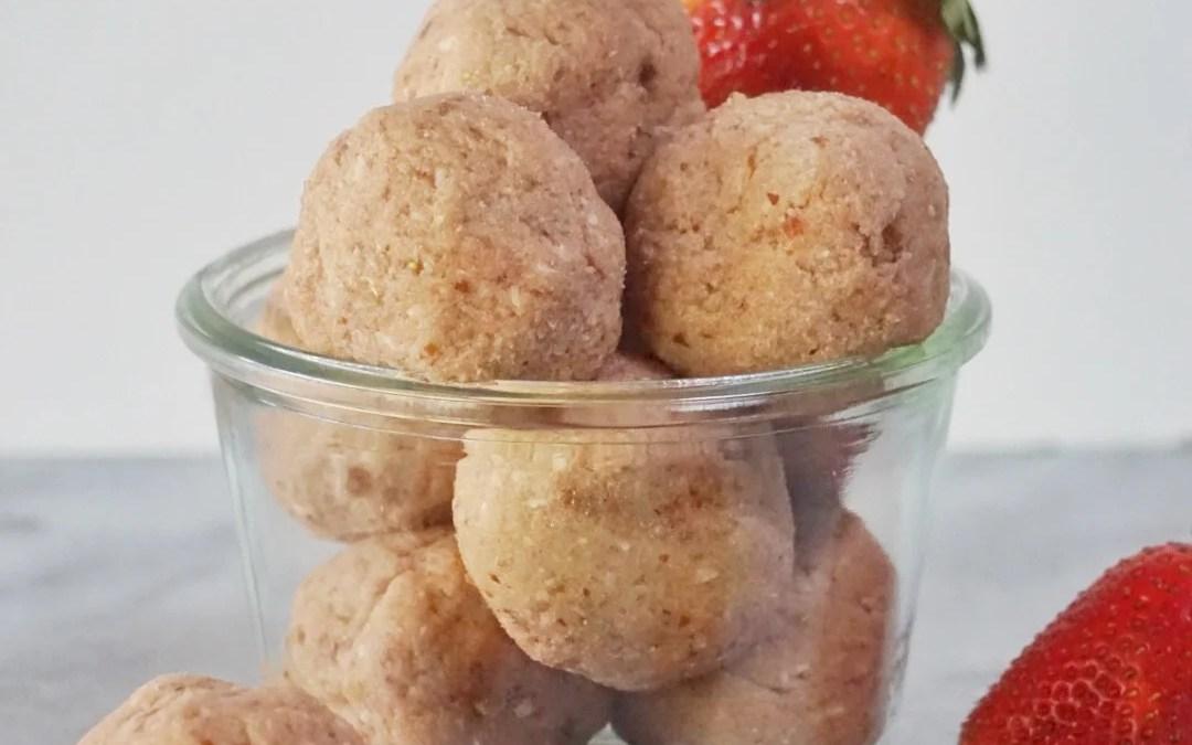 No Bake Strawberry Cheesecake Truffles Bites (Vegan & Gluten Free)