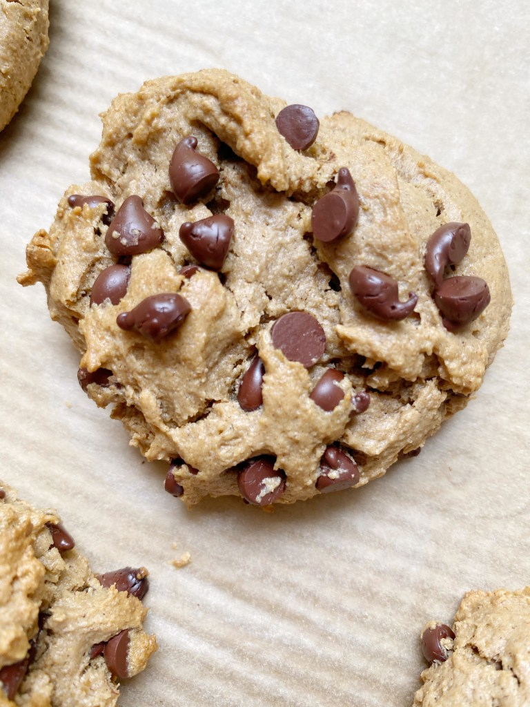 vegan gf choc chip cookie 768x1024 - Vegan + Gluten-Free Chocolate Chip Cookies