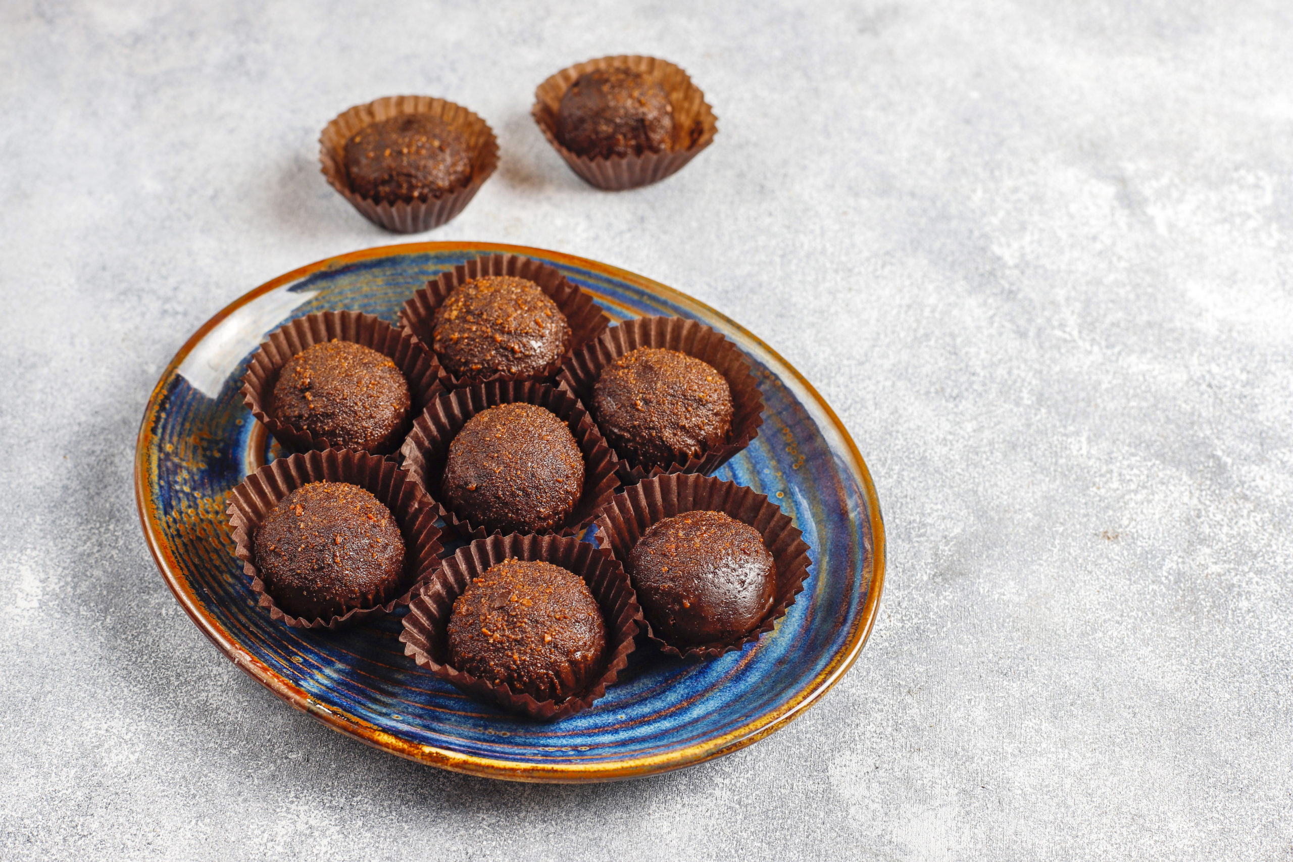 NUTTY CHOCOLATE BALLS