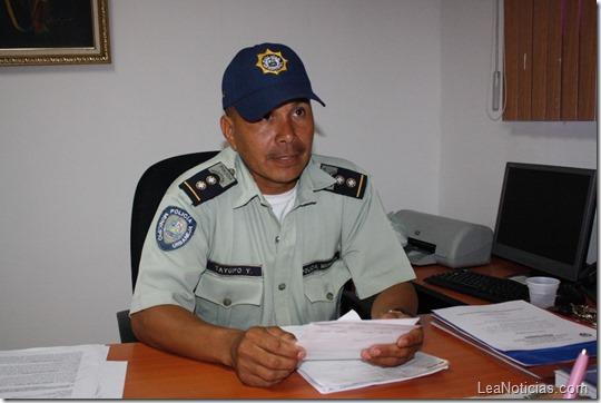 POLICÍA (3)