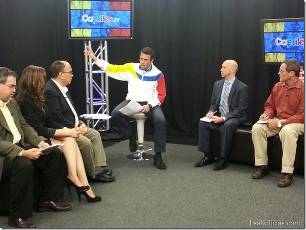 Capriles con periodistas