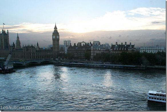 Los londinenses sueñan con nadar en el Támesis