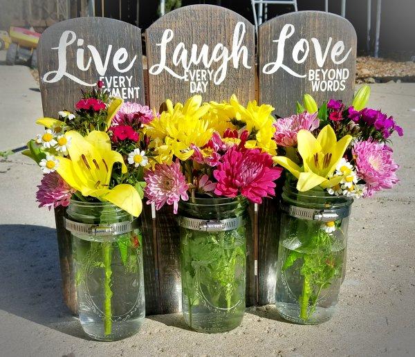mason-jar-sign-diy-flowers