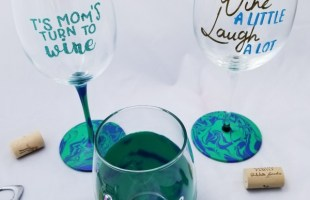 DIY Personalized Wine Glasses with Marbling Paint!